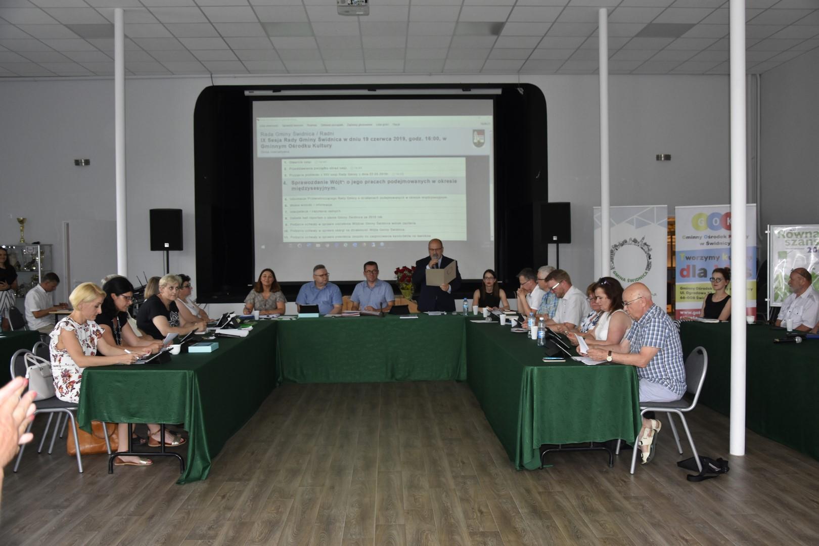 Ilustracja do informacji: IX sesja Rady Gminy Świdnica