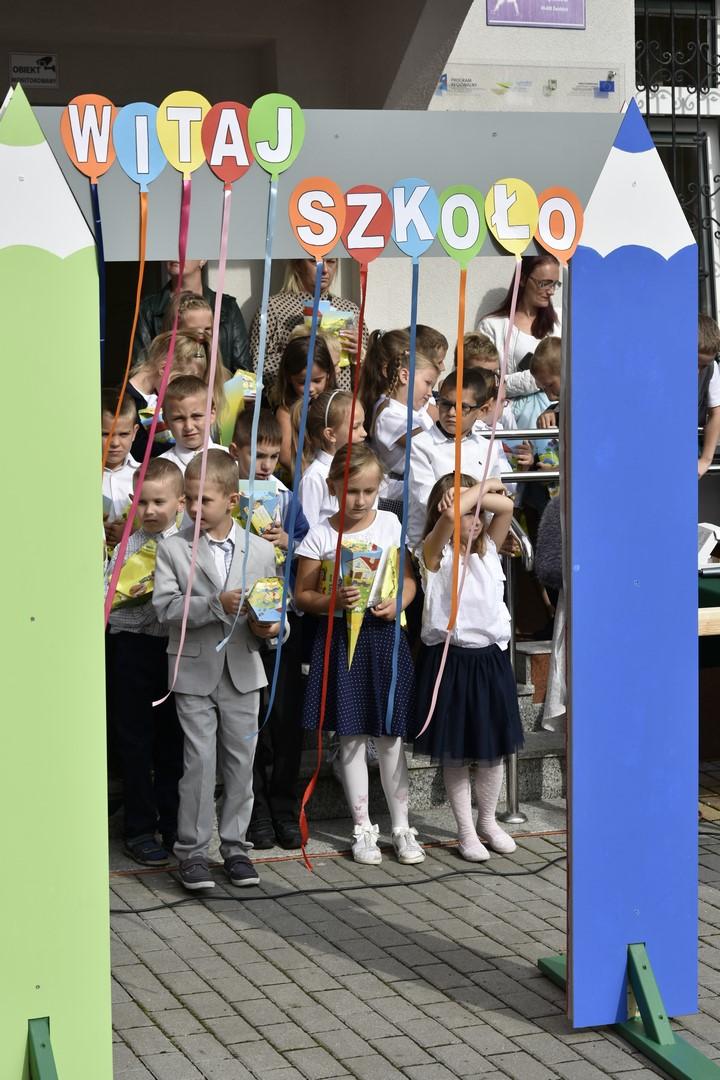 Ilustracja do informacji: Pierwszy dzień szkoły