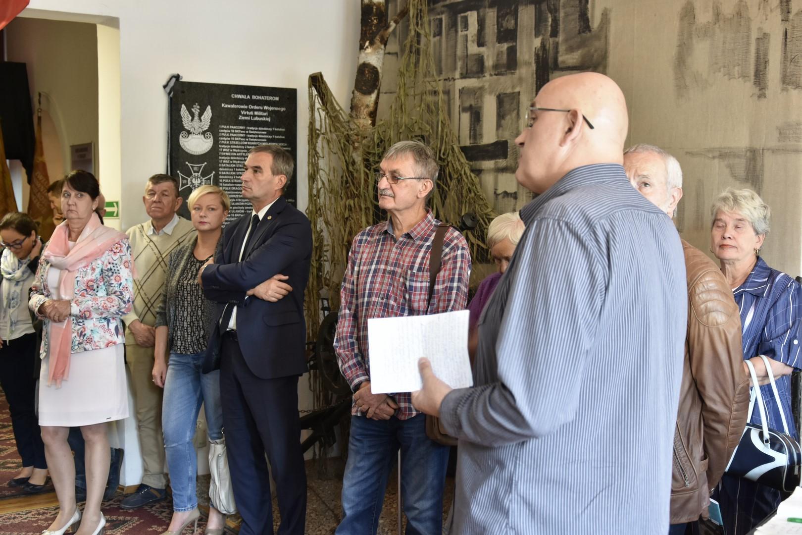Ilustracja do informacji: Wernisaż w muzeum wojskowym