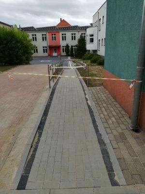 Miniatura zdjęcia: Nowy dziedziniec szkolny